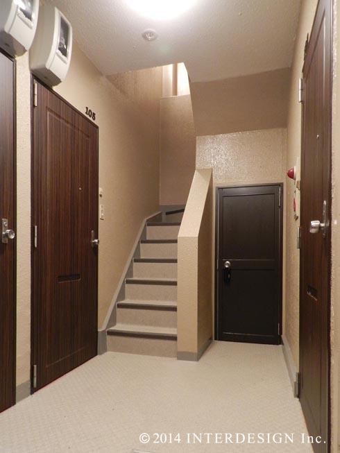 ●9、1階廊下